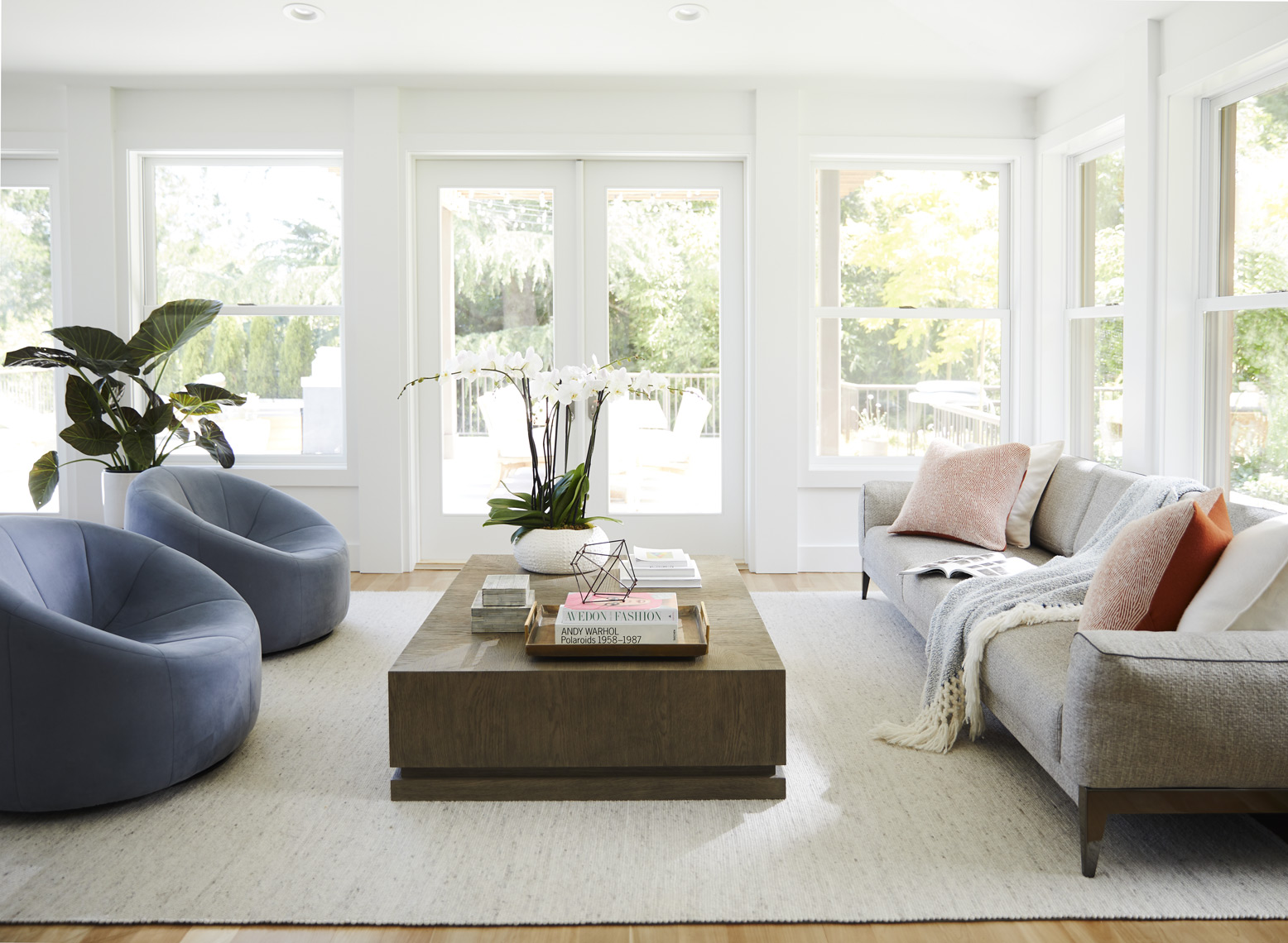 Living room in contemporary home Sean Dagen Photography