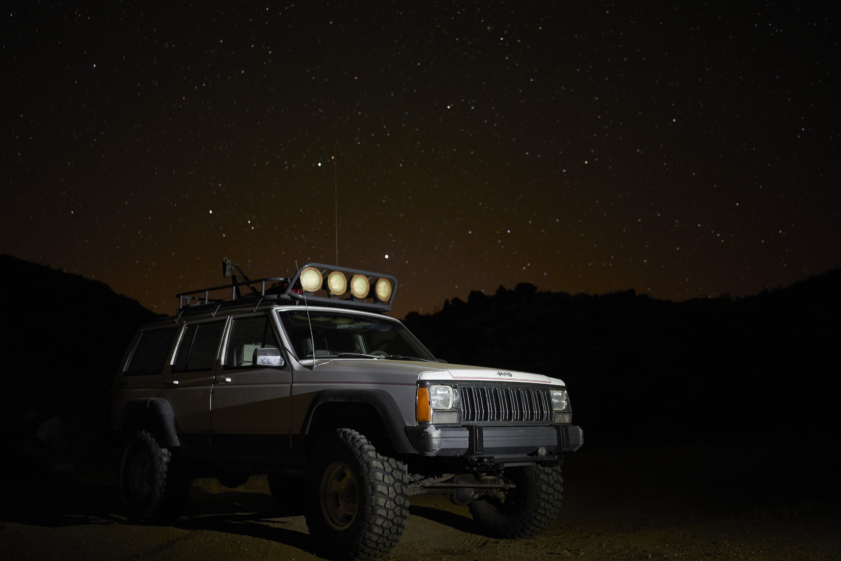 Jeep Cherokee under the stars in Anza-Borrego State Park California Sean Dagen Photography